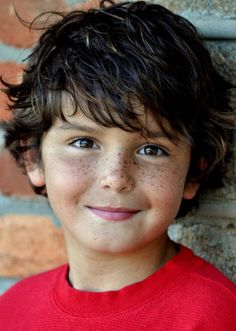 Presenting selection of original ideas for Haircuts Designs for Kids. Haircuts with your kids favourite super heroes and much more. [Cute Boys Hairstyles] (cute hairstyles for kids boy cuts) Kids Cuts, Boy Cuts, Cute Toddlers, Cute Kids, Beautiful Children, Beautiful Babies, Haircut Designs, Cool Haircuts, Boys Curly Haircuts