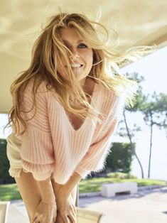 Connie Britton, reveals how she keeps her confidence by allowing herself 'to feel sexy' Connie Britton Nashville, Cheryl Hines, Types Of Women, Confident Woman, Female Singers, My Beauty, Beauty Stuff, Hollywood Actresses, Beautiful Actresses