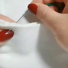 Hand Embroidery Videos, Embroidery Stitches Tutorial, Flower Embroidery Designs, Creative Embroidery, Sewing Stitches, Diy Embroidery, Embroidery Techniques, Sewing Techniques, Sewing Patterns