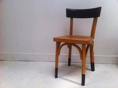 ✩ Check out this list of creative present ideas for people who are into photograhpy Kitchen Chair Redo, Walmart Kitchen Chairs, Furniture Making, Diy Furniture, Furniture Design, Bistro Chairs, Dining Chairs, Before After Furniture, Casa Clean