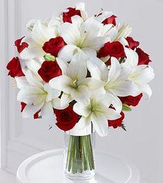 New Wedding Colors Red Romantic Ideas Lavender Bouquet, Rose Wedding Bouquet, Bridal Flowers, Best Wedding Colors, Red Wedding, Wedding Flower Arrangements, Floral Arrangements, Flower Decorations, Wedding Decorations