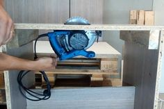 How to Make a Homemade Table Saw With Circular Saw : 6 Steps (with Pictures) - Instructables Table Saw Stand, Diy Table Saw, Make A Table, Woodworking Basics, Woodworking Bed, Woodworking Projects, Woodworking Patterns, Woodworking Magazine, Woodworking Workshop