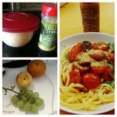 Regina bekam mal wieder an der Arbeit ein Mittagessen gekocht: Pasta mit Rucola-Tomaten-Pinienkern-Pesto und Parmesan aus dem Veganz.