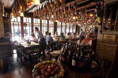 Cantina Famiglia Mancini, na rua Avanhandava, no centro de São Paulo, é tradicional referência de cozinha italiana na cidade.