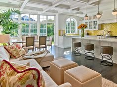 Ceiling This is a fabulous layout...the kitchen, eating area, and family room are perfectly combined.