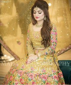 Beautiful bridal lahnga in Mahndi green color in Elegant style embellished with fine embroidery work and unique style for bride. Buy Online in USA. Pakistani Bridal Hairstyles, Lehenga Hairstyles, Bridal Hairstyle Indian Wedding, Pakistani Bridal Makeup, Bridal Hair Buns, Asian Wedding Dress, Pakistani Wedding Outfits, Bridal Outfits, Mehndi Hairstyles
