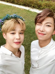 Image uploaded by Find images and videos about kpop, bts and jimin on We Heart It - the app to get lost in what you love. Bts Jimin, Jhope, Bts Bangtan Boy, Bts Taehyung, Seokjin, Kim Namjoon, Jung Hoseok, Namjin, Jikook