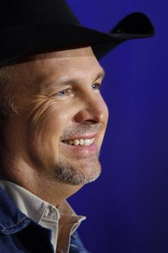 august brooks garth brooks daughter | Garth Brooks' out-of-retirement gig keeps daddy-daughter time a ...