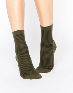 PICTURE 12. Chaussette à 4,49€  http://www.asos.fr/pgeproduct.aspx?iid=5614942&CTAref=Saved+Items+Page
