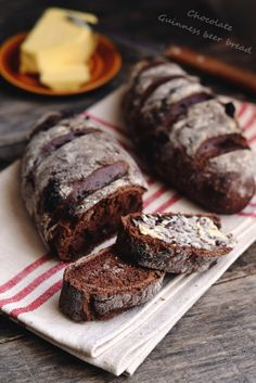 Guinness sörös csokis-kenyer Armenian Recipes, Irish Recipes, Armenian Food, Malaysian Food, Malaysian Recipes, Good Food, Yummy Food, Beef Short Ribs, Asian Desserts