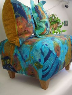 The felted living room - jean gauger - Picasa Web Albums Felt Cushion, Felt Pillow, Wet Felting Projects, Felting Tutorials, Nuno Felting, Needle Felting, Eclectic Frames, Diy Ottoman, Wool Art