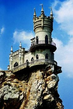 (An ancient numanorean watch tower?)The Swallow's Nest castle on the Rock of Aurora near Yalta in southern Ukraine Beautiful Castles, Beautiful Buildings, Beautiful Places, Fantasy Castle, Fairytale Castle, Places To Travel, Places To See, Ukraine, Fantasy Places