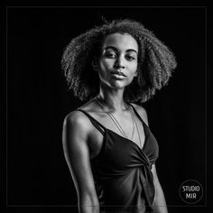Resplendissez lors de votre séance photo modèle affichez votre féminité !  une super idée cadeau  et une expérience à vivre  #photographe #studiophoto #valdemarne #idéecadeau