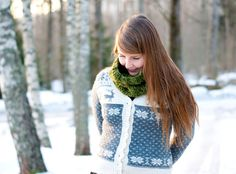 Womens knit cowl winter accessory knitted in soft by sofiasobeide