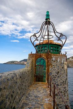 Collioure Lighthouse, Roussillon France | photo by David Blaikie ᘡղbᘠ