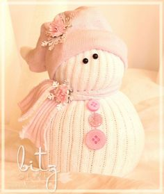 Hometalk :: DIY Sock Snow People..This looks cute and easy to make. You could make funky snowmen by using funky socks!!