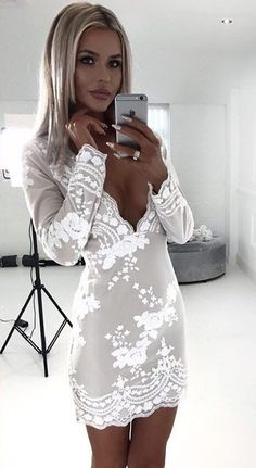 Fall Outfits To Copy Awesome Lace Dress Sexy Outfits, Sexy Dresses, Cute Outfits, Fashion Outfits, Fall Outfits, Hijab Fashion, Fashion Mode, Look Fashion, Feminine Fashion