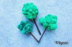 Jak zrobić drzewko dla lalki, na makietę.  #diy #fridiy #mynio #drzewo #drzewko #makieta #diorama #zabawka #pompony #dekoracja Diorama, Montessori, Bobby Pins, Diy, Hair Accessories, Handmade, Hand Made, Bricolage, Dioramas