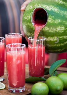 Fresh and Easy Recipe for Watermelon Margarita made blended inside a watermelon. This watermelon margarita hack has tequila, lime juice, simple syrup Party Drinks, Cocktail Drinks, Fun Drinks, Cocktail Recipes, Alcoholic Drinks, Beverages, Cocktail Gifts, Cocktail Ideas, Mixed Drinks