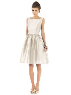 Alfred Sung Style D518 http://www.dessy.com/dresses/bridesmaid/d518/
