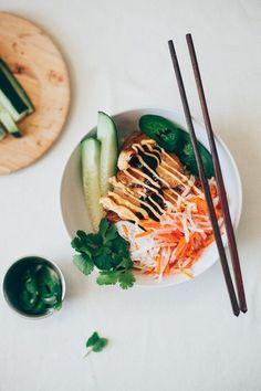 lemongrass chicken bánh mì bowls | my name is yeh