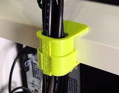 Vedi il mio progetto @Behance: \u201c3D Printed - PC Cable Clip 2014\u201d https://www.behance.net/gallery/30983315/3D-Printed-PC-Cable-Clip-2014