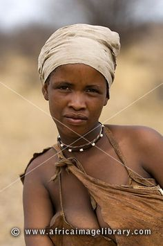The San 'Bushmen' also known as Khwe, Sho, and Basarwa are the oldest inhabitants of southern Africa, (and are part of the Khoisan group. African Tribal Girls, Tribal Women, African Women, African Image, Tribes Of The World, Africa Tribes, Native American Women, Female Portrait, Woman Portrait