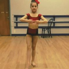 Mackenzie Ziegler is one of the most talented people I have ever seen. I love dance moms so much. Love you Mackenzie Zeigler Maddie And Mackenzie, Mackenzie Ziegler, Dance Mums, Just Dance, Show Dance, Dance Class, Mack Z, Dance Moms Girls, Kendall Vertes