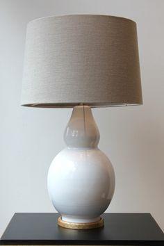 Lámpara de Mesa Color Gris Claro Cerámica | Pottery Table Lamp Light Grey Color. Detana, Madrid.