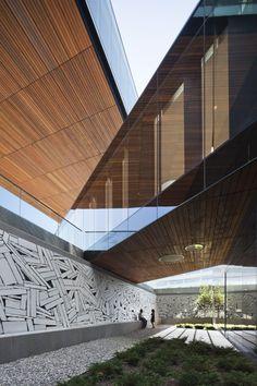 Centra Metropark, by KPF. (© Michael Moran)