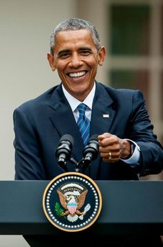Barack Obama - remember when we had a Presidential President? Michelle Und Barack Obama, Barack Obama Family, First Black President, Mr President, Black Presidents, American Presidents, American History, American Soldiers, British History