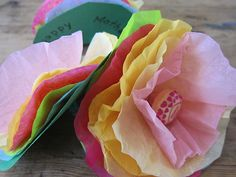 How to Make Lollipop Tissue Paper Flowers