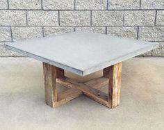 Industrial Style Reclaimed Wood and Steel von WaltonWoodcraft