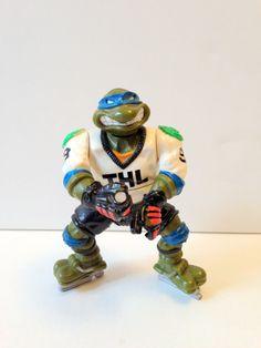 Teenage Mutant Ninja Turtles Figurine TMNT Slapshot Leo Figurine // Hockey Player Leonardo Ninja Turtle Figurine