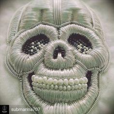 @submarina707 -  Готов мой Бедный Йорик!   #embroideryprocess #submarina707 #workprocess #handmade #couture #skull #emroidery #silver #handembroidery #yorick #goldwork #вышивка #золотоешитье #брошь #brooch #ручнаяработа - #regrann