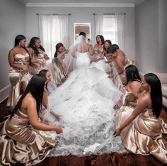 Different Styles Of Wedding Dresses. There are several designs of bridal gown, practically as many styles of wedding dresses as there are shapes of women. Wedding Bridesmaid Dresses, Brides And Bridesmaids, Dream Wedding Dresses, Black People Weddings, African American Weddings, Before Wedding, Love Is In The Air, Wedding Poses, Wedding Ideas