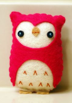 Felt owls are so cute!!! i WILL learn how to make them