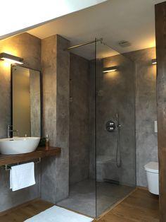 Koupelna s betonovou stěrkou