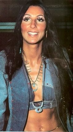 Cher was a always a natural for wearing denims. 70s Fashion, Vintage Fashion, Fashion Black, Cher Costume, Cher Photos, Cher Bono, Richard Avedon, Vogue Magazine, Female Singers