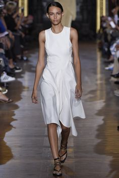 Stella McCartney RTW Spring 2015 - Slideshow