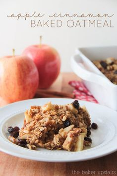 Apple cinnamon baked oatmeal from The Baker Upstairs. A delicious and filling mixture of sweet apples and warm cinnamon oatmeal. The perfect breakfast for a winter morning! www.thebakerupstairs.com