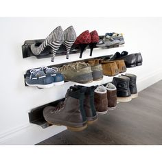 Features:  -Suitable for mens, womens and childrens shoes.  -Attach to wall using the 2 supplied screws.  -Material: Stainless steel.  -Suitable for men's, women's and children's shoes.  -Accommodate