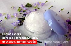 Crema casera para pies cansados. Relax, descanso, humidificación Icing, Relax, Pudding, Desserts, Tired Feet, Homemade Scrub, Simple Nails, Shower Gel, Stretching Exercises