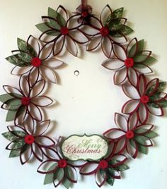 Christmas Craft Ideas- Toilet Paper Tube Wreathhttp://www.frugalfreebiesanddeals.com/christmas-craft-ideas-toilet-paper-tube-wreath-b/