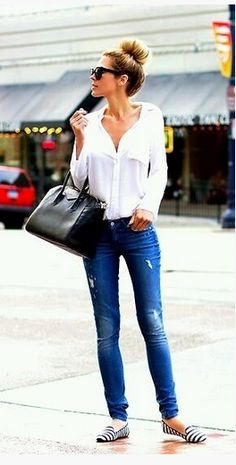 Love The Outfit The Sneakers And The High Sock Bun! Cute Casual Outfit & Look! Fashion Mode, Look Fashion, Fashion Beauty, Autumn Fashion, Womens Fashion, Fashion Trends, Fashion Ideas, Fashion 2015, Jeans Fashion