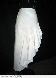 skirt diy Fashion Design Inspiration, Mode Inspiration, Draping Techniques, Sewing Techniques, Clothing Patterns, Dress Patterns, Sewing Patterns, Couture Sewing, Pattern Cutting