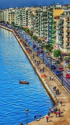 Port of Thessaloniki, Thermaic Gulf, Macedonia, Greece. Most Beautiful Beaches, Beautiful World, Beautiful Places, Macedonia Greece, Athens Greece, Greek Isles, Belle Villa, Thessaloniki, Santorini Greece