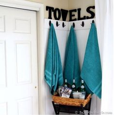 Command hooks are total lifesavers, right? To make them even more useful than they already are, here are some clever ways to use Command hooks to organize literally everything in your dorm room. This tutorial will help you to use. Storage Hooks, Towel Storage, Food Storage, Mini Bars, Angles, Towel Organization, College Organization, Organization Ideas, Storage Ideas