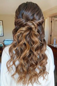 Hairstyles For Long Hair Graduation  #graduation #hairstyles #hairstylesforlonghair