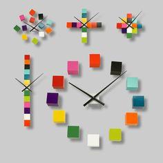 Tic tac boule Big Wall Clocks, Cool Clocks, Clock Art, Diy Clock, Clock Decor, Cadeau Design, Handmade Clocks, Pendulum Wall Clock, Modern Clock